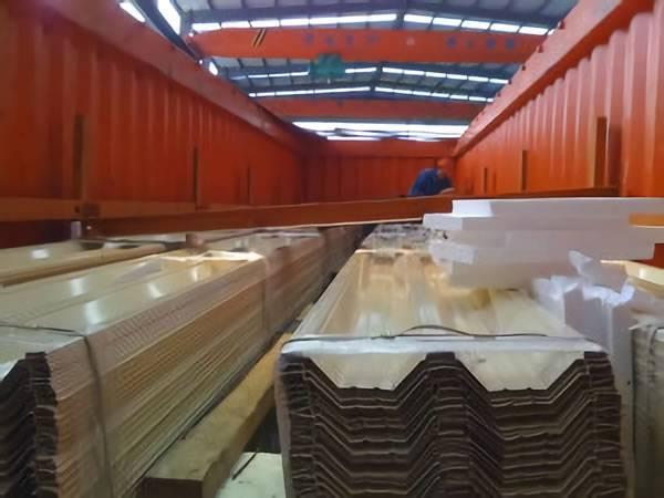 corrugated sheets packing